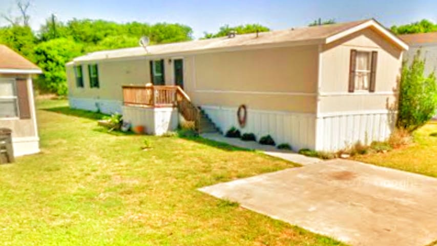Charming mobil home 3 bed 2 bath