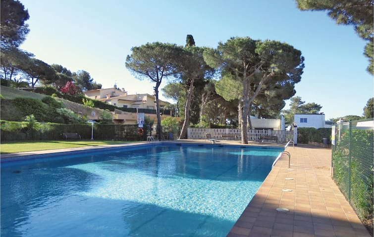 Holiday apartment with 1 bedroom on 32 m² in Castell-Platja d'Aro