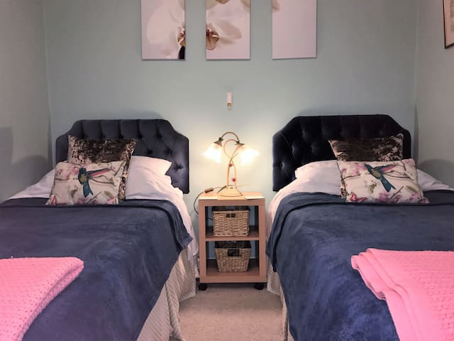 High View Bed & Breakfast | Kennington | Twin Room