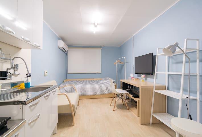 Roommate 103