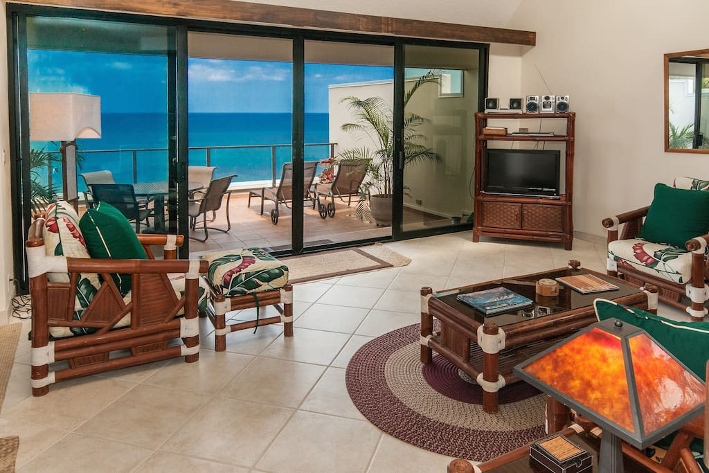 Family room and lanai