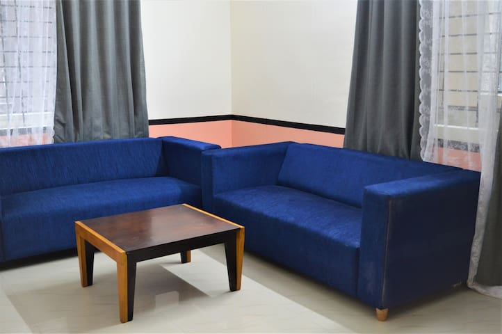 Premium 2bhk heart of IT zone vacationFamily Frnds