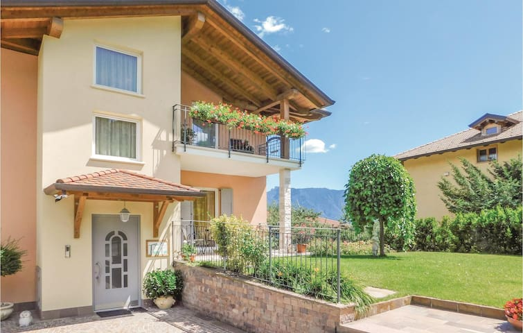 Holiday apartment with 2 bedrooms on 65 m² in Tassullo -TN-