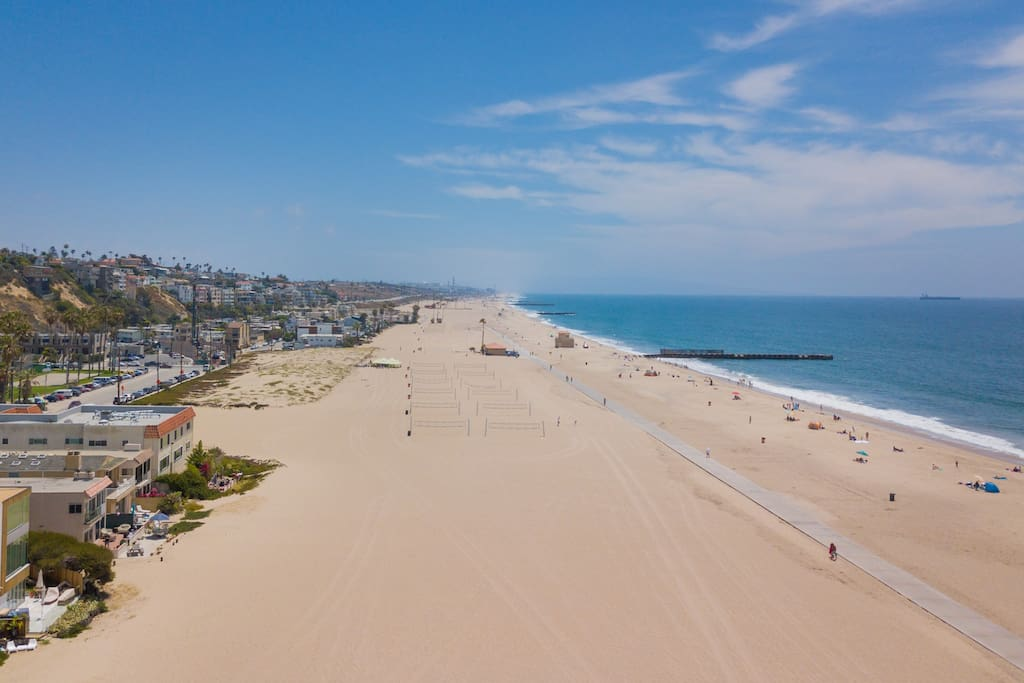 This prime location is just minutes from Venice, Santa Monica, and LAX.