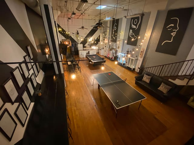 Los Angeles HUGE & Beautiful Loft