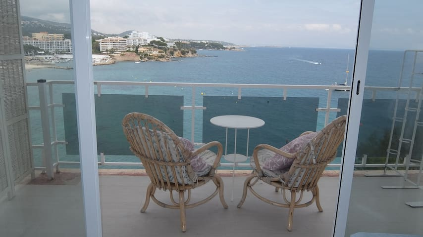 Balcony with Spectacular Sea and Beach Views