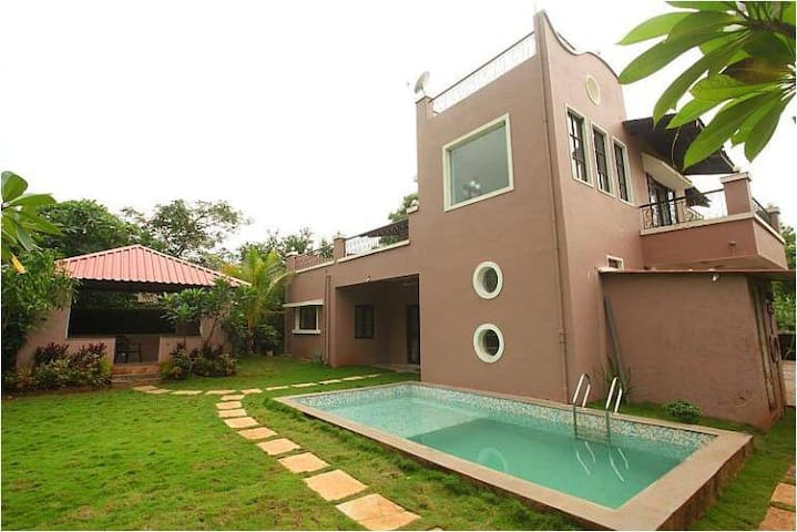 Sekhri Villa with Pool, Karjat - Karjat