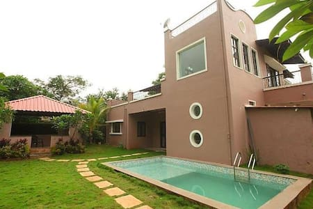 Sekhri Villa with Pool & Waterfall, Karjat - Karjat