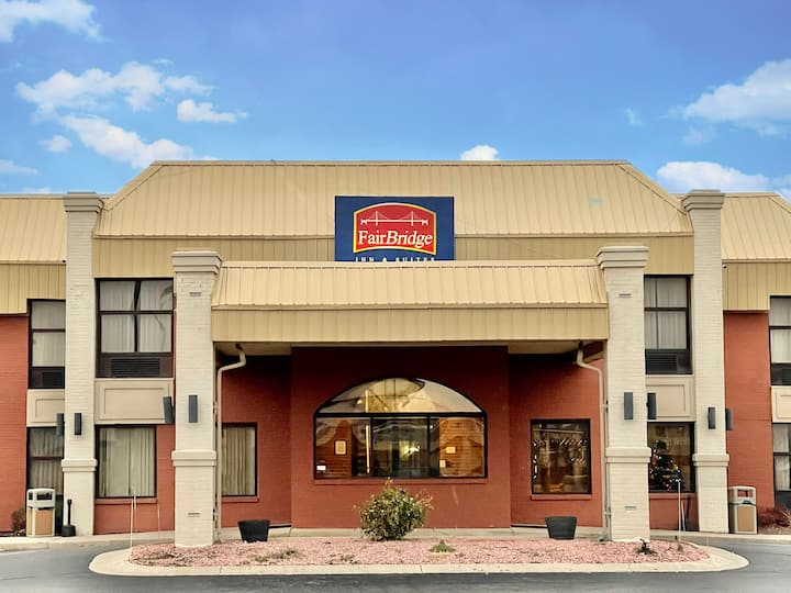 FairBridge Inn & Suites Fort Wayne