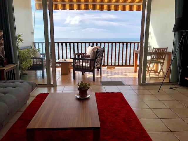 Appartement bord de mer, vue panoramique océan