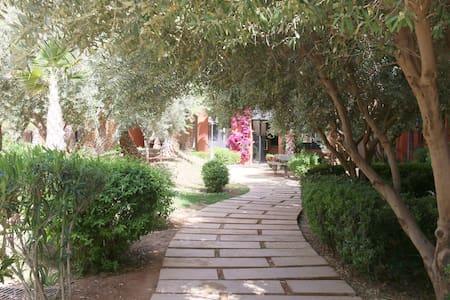 Calme, Piscine, Jacuzzi aux portes de Marrakech - 马拉喀什(Marrakech) - 公寓