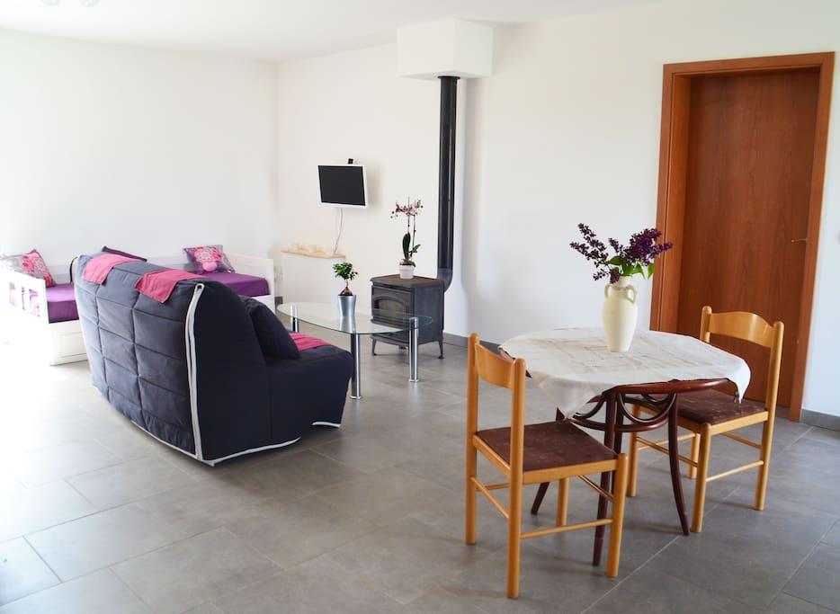 agr able studio meubl appartements louer vern ville grand est france. Black Bedroom Furniture Sets. Home Design Ideas