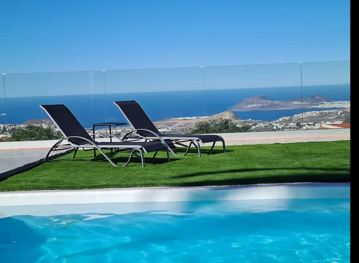 Vista al mar , piscina climatizada, barbacoa