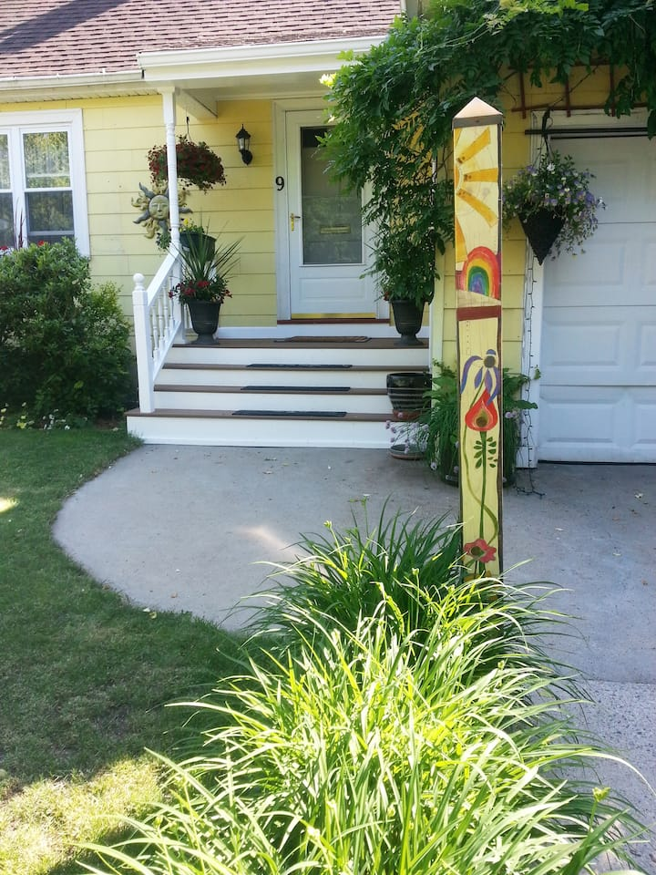 Garden Apartment for Vacation & Business Travelers