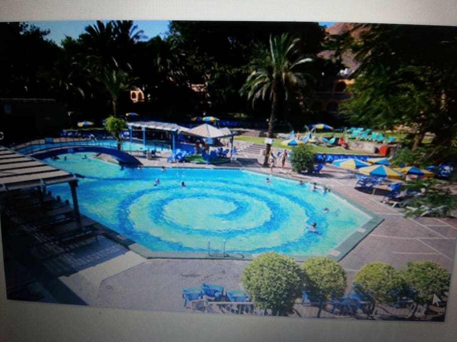 There is a swimmingpool in the club inn hotel in eilat The weather is warm all over the year