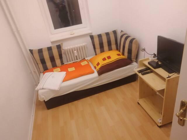 Zentrales Zimmer zwischen Alex-und Potsdamer Platz