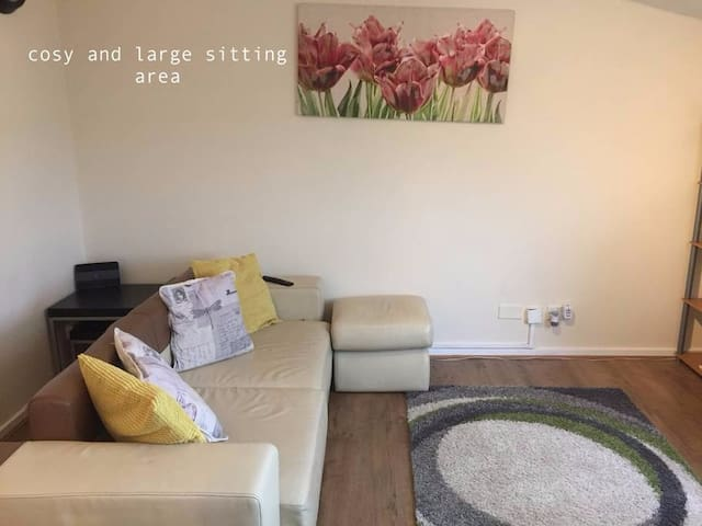 Cosy Private Flat in the Heart of Brixton