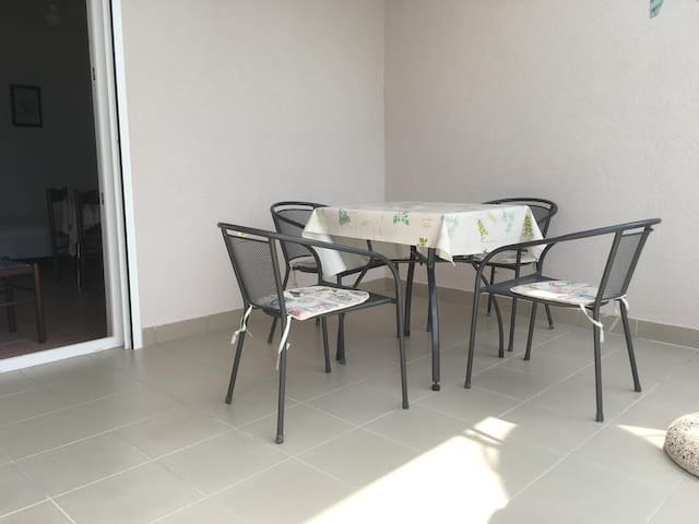 One bedroom apartment with terrace and sea view Potočnica, Pag (A-4096-b)