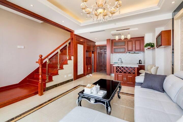 金梦海湾第一观·日出观海复式跃层公寓