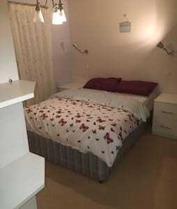 Double room & en suite shower room - House