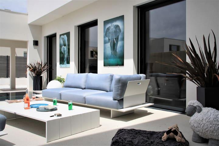 Villa Architecte contemporaine  plage à 150 m.