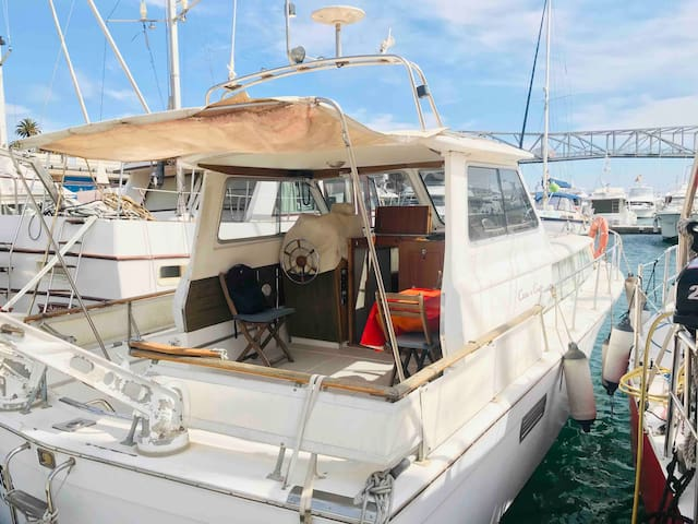 Boat - Apartment 27 min. from Barcelona City