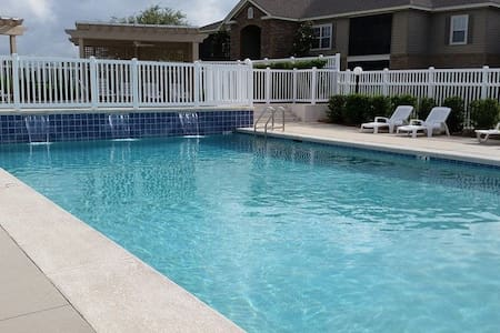 Fun in the sun nice 3 bedroom condo - Foley