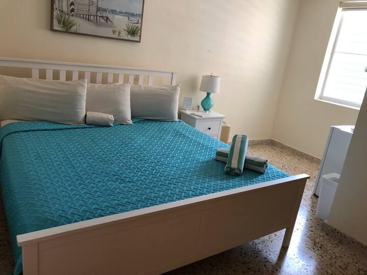 Ocean Pearl Inn( Room 5 )