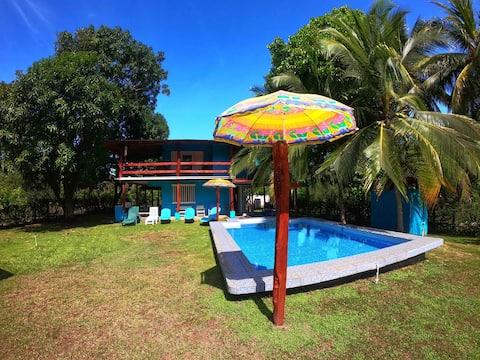 Casa Los Almendros en Playa Guacalillo