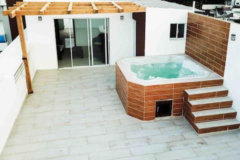 Hermoso y céntrico penthouse con jacuzzy y terraza