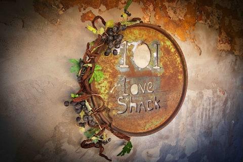 101 Love Shack