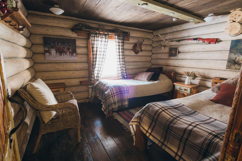 одна из спален на первом этаже