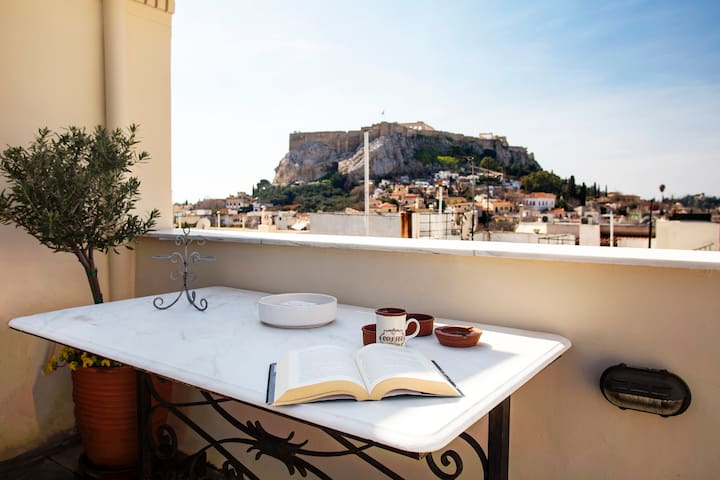Beautiful rooftop flat with Acropolis view
