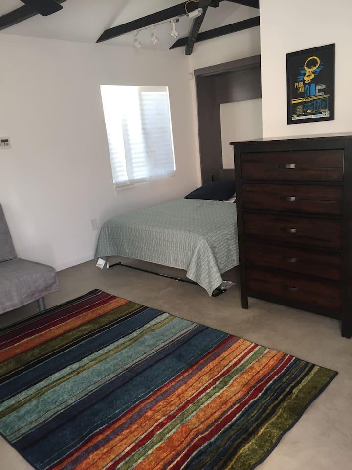 Queen bed. 5 drawer dresser