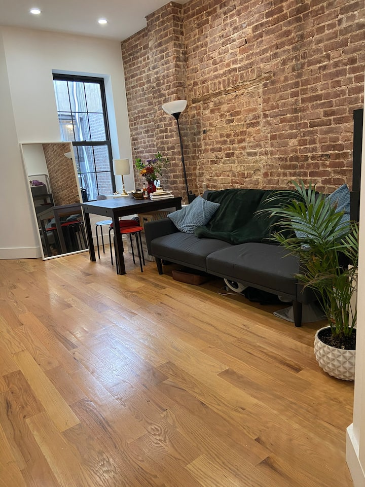 Sunny Private Bedroom Furnished in Crown Heights