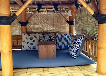 Yoga retreat. Roof top hut in jungle & close beach - Choza