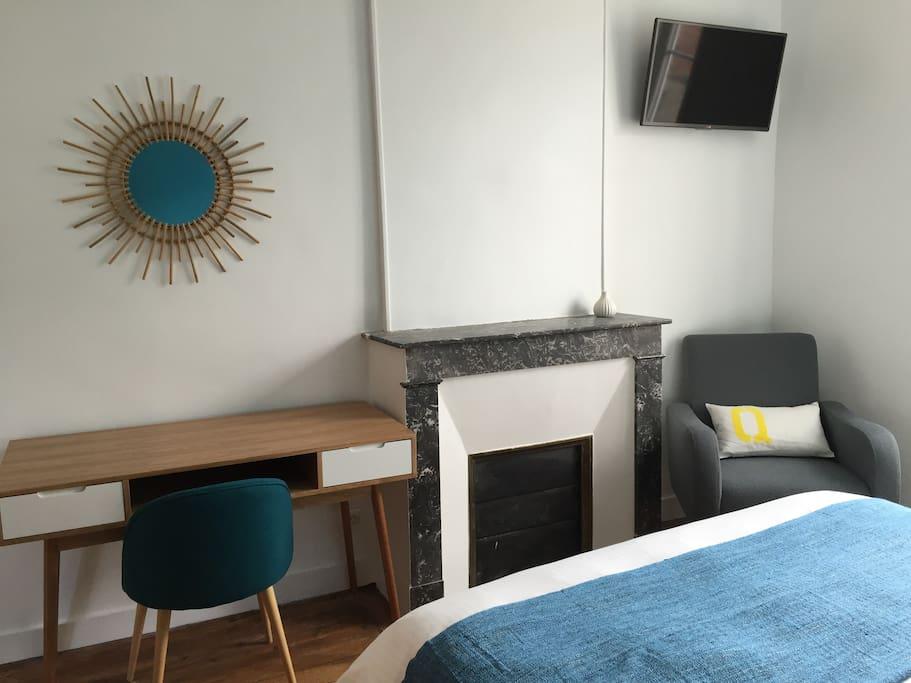chambre d 39 h tes double chambres d 39 h tes louer bayeux basse normandie france. Black Bedroom Furniture Sets. Home Design Ideas