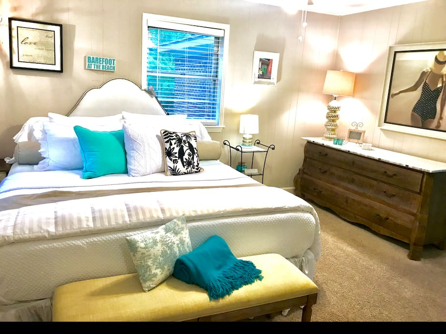 Private King Master Bedroom w/Private Bath (both main and private entrances), full house access.