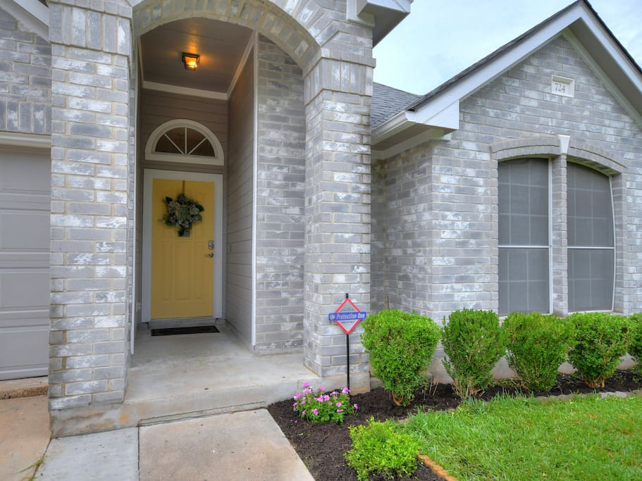 Front entry with Keyless lock