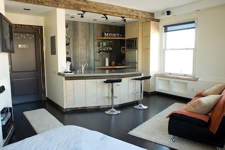 Downtown Missoula Top-Floor Studio  - Missoula - Huoneisto