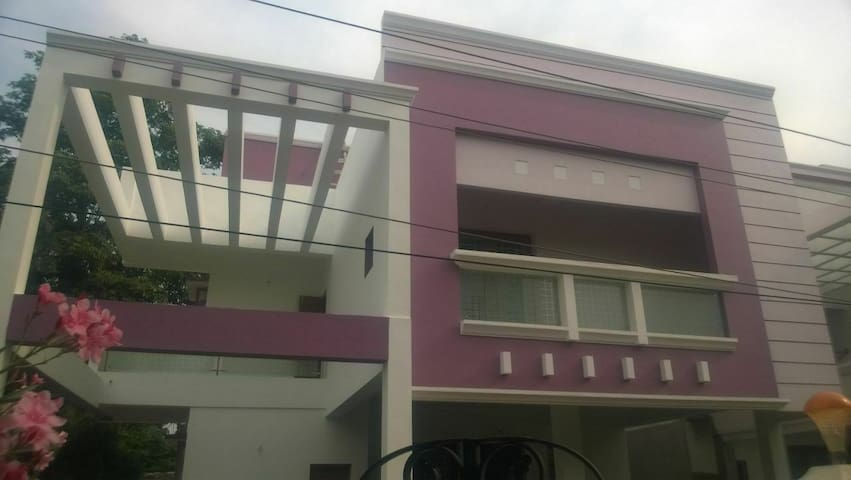 ECR - 4-BedRoom Villa,SwimmingPool - Chennai