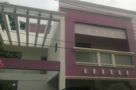 ECR - 4-BedRoom Villa,SwimmingPool - Chennai - Vila