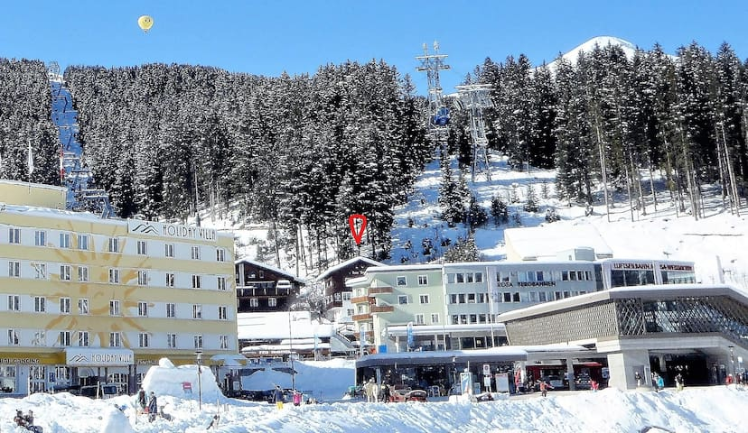 Location Haus Thöny with Weisshorn Cable Car und Tschuggen Ost Chair Lift