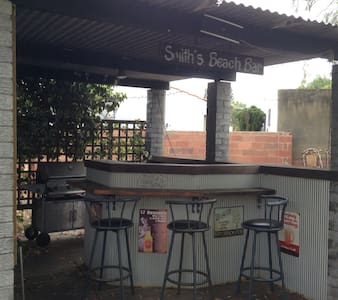 Smith's Beach House - Broadwater - Дом