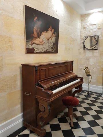 Belle chambre tout confort dans maison ancienne