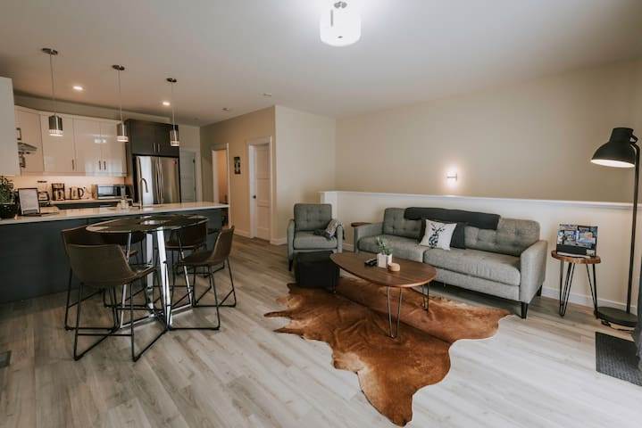Gorgeous South facing 3 bedroom 2 1/2 bath.