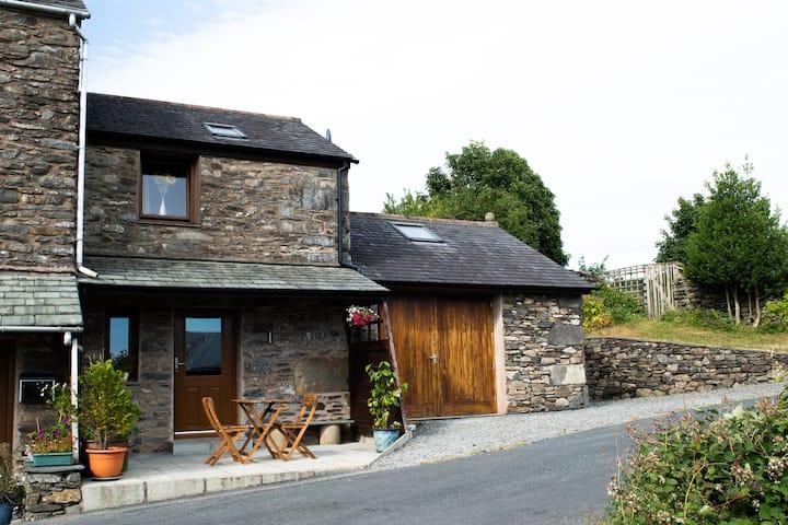 Beautiful Scenic Lake District Cottage