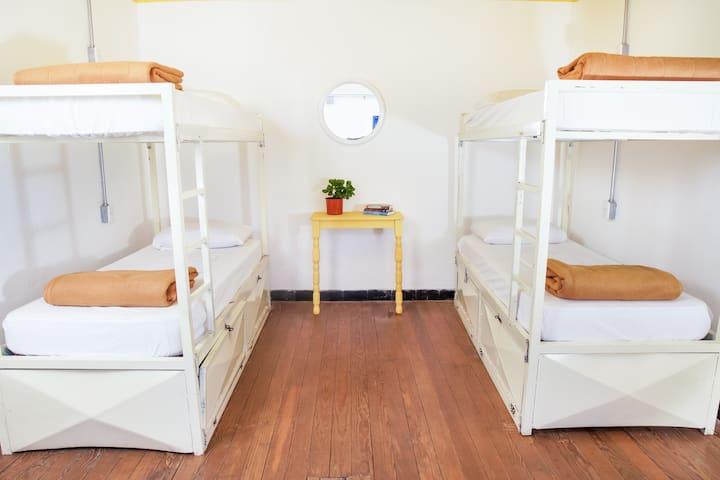 Habitación Privada para 4 personas.