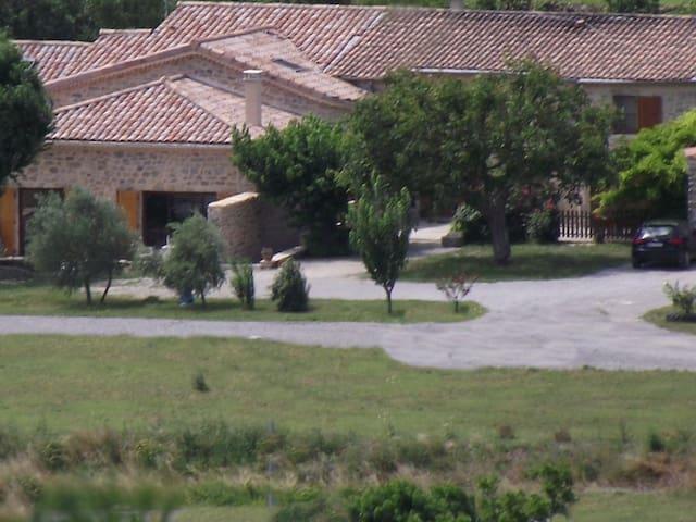 Le Mas du Moulin Maison d'hôtes en Ardèche - Vesseaux