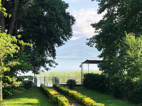 Вілла на озері Сапанка (Sapanca Lake House)